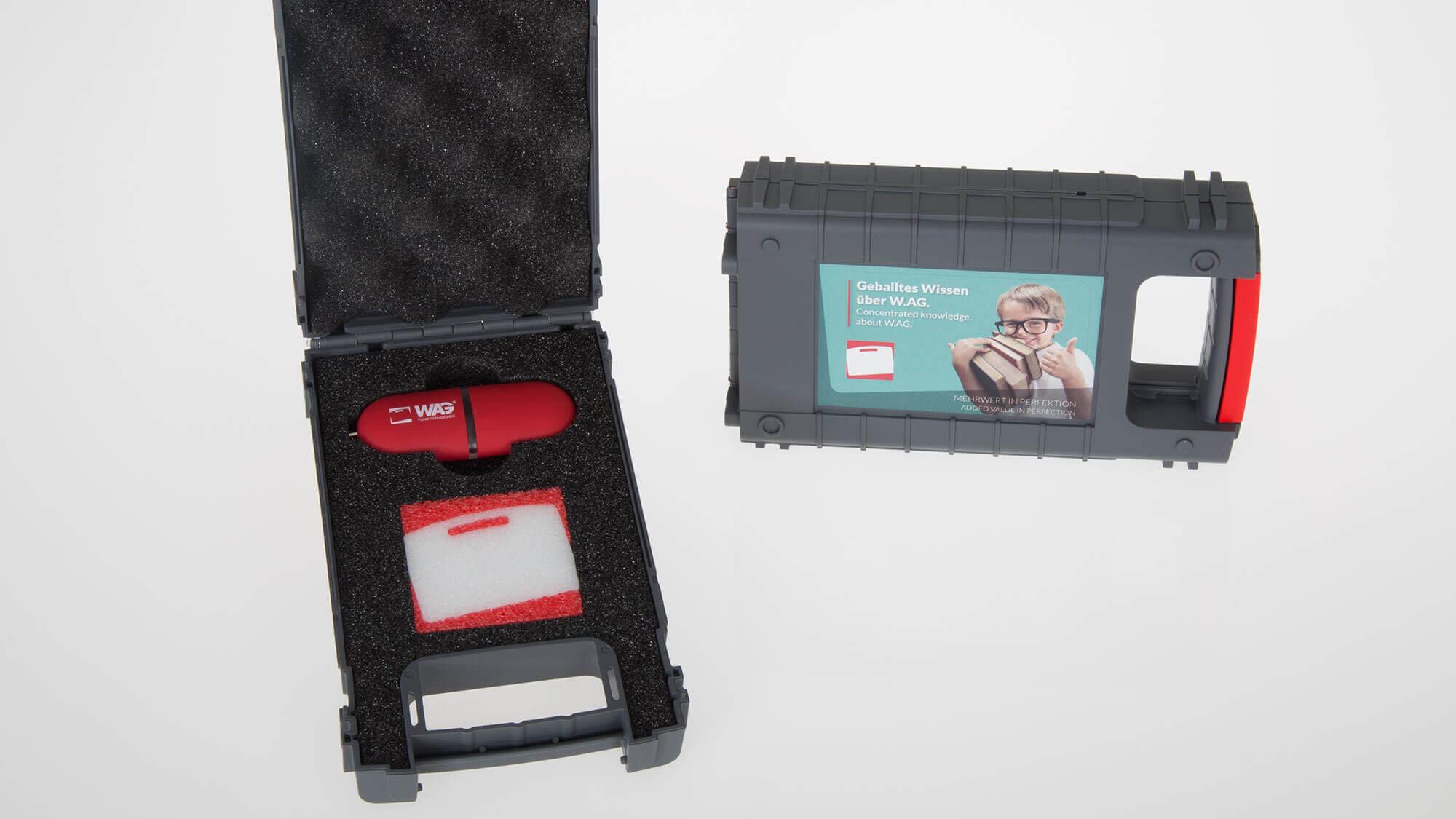 Kunststoffboxen zur Aufbewahrung von Fotos und anderen Cases